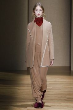 Agnona Fall 2017 Ready-to-Wear Fashion Show Collection