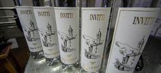 Für den Digestiv werden wir ein paar Schritte laufen. Es erwartet uns die Distilleria La Valtellinese von Signore Invitti. Diese Grappa-Brennerei wurde 1948 gegründet und wird jetzt in der dritten Generation geführt. Es ist eine kleine Brennerei, die auf Qualität setzt. Somit hat sie im Laufe der Jahre auch zahlreiche Auszeichnungen erhalten.