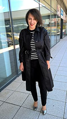 VGRV blog, béack trench, black pants, metallic pumps, silver heels, striped shirt