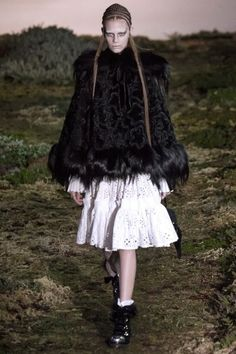 FALL 2014 READY-TO-WEARAlexander McQueenCOLLECTION