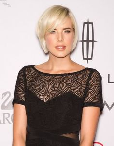 Agnes Deyn is to play the lead character with epilepsy in the film adapation of 'Electricity' by Ray Robinson. Celebrities, Women, Celebrity News, Agnes Deyn, Agyness Deyn, Fashion, Hottest Celebrities, Short Hair Styles, Perfect Hair