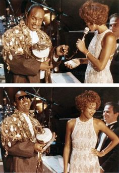 Whitney Houston and Stevie Wonder Whitney Houston Young, Whitney Houston Pictures, Beautiful Voice, Black Is Beautiful, Beautiful Things, Beverly Hills, Vintage Black Glamour, Hip Hop And R&b, Stevie Wonder