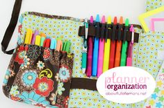 Thirty-One Fold and Go Organizer with Notepad | I'd love one in Party Punch or Turquoise Cross Pop | Seen on A Bowl Full Of Lemons blog to organizer her pen/marker collection.