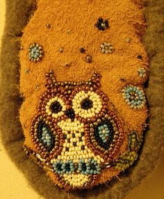 Owl moccasins. I designed the beadwork myself, hand sewn moosehide and fleece. Seed Bead Patterns, Peyote Patterns, Beading Patterns, Beaded Earrings Native, Native Beadwork, Seed Bead Art, Seed Beads, Tribal Drawings, Owl Designs