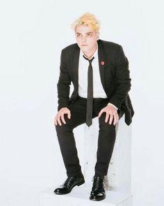 Gerard Way, lookin dapper My Chemical Romance, I Love Mcr, Bob Bryar, Lindsey Way, Sassy Diva, Sass Queen, Killjoys, Still In Love, Frank Iero