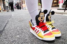 Brand:adidas×JEREMY SCOTT  More photo at:  http://www.fashionsnap.com/streetsnap/2012-04-27/15738/