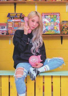 Check out Mamamoo @ Iomoio Kpop Girl Groups, Korean Girl Groups, Kpop Girls, K Pop, Kpop Wallpaper, Mamamoo Moonbyul, Solar Mamamoo, Wattpad, Girl Crushes