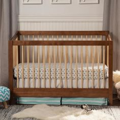 DaVinci Highland 4-in-1 Convertible Crib with Toddler Rail in Chestnut with Natural Spindles - Click to enlarge