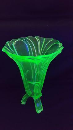 Super RARE Vaseline Glass 30's Art Deco
