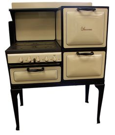 Double Oven, 4 burner, with Plate warming drawer - Early Wedgewood unit.  http://www.buckeyeappliance.com