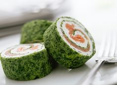 Spinach and smoked salmon roulade Great Appetizers, Appetizer Recipes, Salmon Roulade, Smoked Salmon Terrine, Roulade Recipe, Spinach Rolls, Seafood Buffet, Appetisers, Yummy Snacks