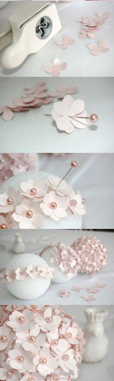 Flor de papel - já pensou fazer bolas e pendurar, que lindo?!