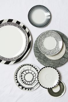 My Attic: A Happy Home, plates, ceramics, black and white Ceramic Tableware, Ceramic Clay, Porcelain Ceramics, Ceramic Pottery, Pottery Painting, Ceramic Painting, Marimekko, Black And White Dishes, Black White