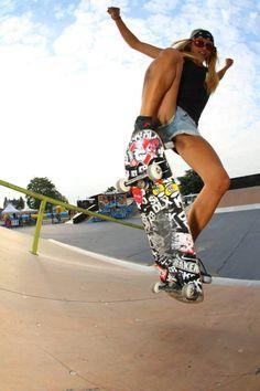 Air time.... #skateboarding #skategirl #skateboarding #skateboarder #skateboard #skatergirl #girlskater #skateboardergirl #girlskateboarder #skate #skateforlife #skateordie #sgi #sgintl #femaleskater