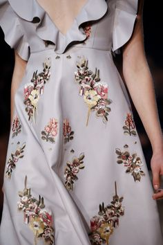 Alexander McQueen Spring 2016 Ready-to-Wear