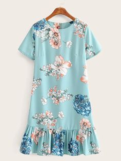 To find out about the Floral Print Zip Back Flounce Hem Dress at SHEIN, part of our latest Dresses ready to shop online today! Simple Dresses, Pretty Dresses, Casual Dresses, Short Dresses, Summer Dresses, Dress Outfits, Fashion Dresses, Fashion Sewing, Types Of Sleeves