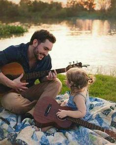 Father Daughter date ideas for more bonding and creating meaningful memories is vital for growing a solid relationship. Here are the best and easy ideas for daddy daughter date. Father Daughter Photography, Father Daughter Photos, Mother Daughters, Mother Son, Dad Daughter, Father And Baby, Dad Baby, Cute Family, Baby Family