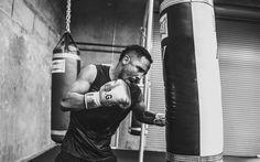 Lataa kuva Andre Ward, Amerikkalainen nyrkkeilijä, nyrkkeily, koulutus sali, WBO, nyrkkeily päärynä, koulutus, Olympiavoittaja