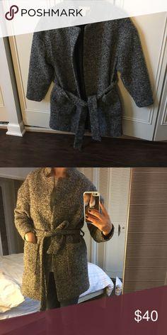 H&M coat size 4 H&M coat H&M Jackets & Coats Pea Coats