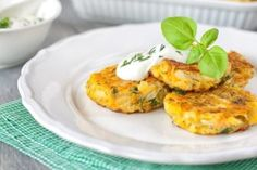 How to make Zucchini Patties Recipe - These cheesy zucchini patties are an excellent way to use up that abundance of zucchini from the gard. Zucchini Patties, Veggie Patties, List Of American Foods, Top Recipes, Cooking Recipes, Dip, Dinner This Week, Keto Snacks, Food Preparation