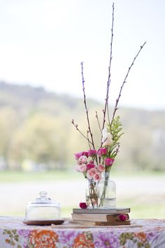 A budget centerpiece bouquet that looks fabulous! (get the how to by clicking through)