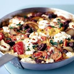 Greek salad omelette - enjoy all the flavors of Greece with red onion, tomato, black olives and feta cheese in this omelette. Bbc Good Food Recipes, Vegetarian Recipes, Cooking Recipes, Yummy Food, Healthy Recipes, Vegetarian Cookbook, Sauce Recipes, Diet Recipes, Amish Recipes