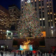 Christmas in New York - one of our favourite flavours of the festive season! Check out day 15 of our Christmas ‪#‎blog‬ special, with special thanks to Tony Napoli, President of Briggs Inc. DMC. http://blog.biworldwide.co.uk/blog-15-united-states-christmas-in-new-york-for-tony-napoli-president-of-briggs-inc-dmc.html