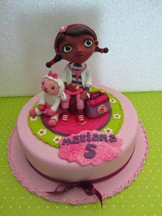 Doces Opções: A Doutora Brinquedos e a Lãzinha no aniversário da...