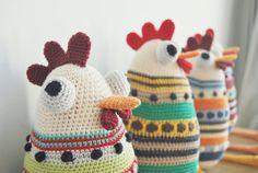 The HEN Sisters PDF pattern crochet amigurumi by deestraperlo