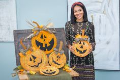 Elizabeth Mathis is turning your old wicker baskets into spooktacular #Halloween décor with her fun Jack-o-lantern baskets! Wheat Centerpieces, Holiday Centerpieces, Home And Family Hallmark, Family Tv, Old Wicker, Wicker Baskets, Halloween Door Decorations, Fall Decorations, Autumn Crafts