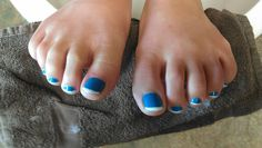 Pedicure blue and white