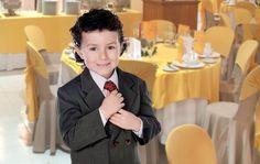 Дети на свадебном банкете