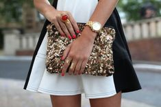 wowza. red nails and gold <3