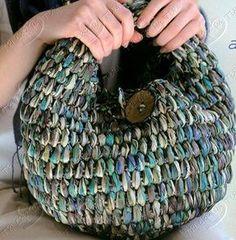 Crochet bag. T-shirt yarn. Вязаный кошелек. Хлопковая пряжа. Bolso de ganchillo. Trapillo. Borsa all'uncinetto. Fettucia. Bolsa de croche. Fio de malha.