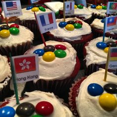 Made cupcakes for the Olympics!  :^D
