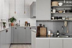 Propuestas para una cocina colorida  La neutralidad del gris plata permite jugar con otros colores a través de los accesorios. Es un básico similar al blanco pero más suave y sofisticado.         Foto:Thekitchn