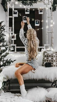 42 Best Ideas For Party Outfit Winter Christmas Photographie Portrait Inspiration, Christmas Mood, Xmas, Christmas Fashion, Christmas 2017, Womens Christmas, Christmas Pics, Christmas Lights, Christmas Cards