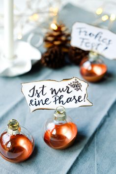 Ist nur eine Phase | Kalligrafie | Weihnachtskugel Platzhalter | waseigenes.com