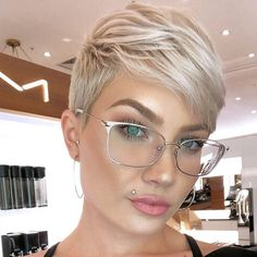 We have handpicked the Latest Short Blonde Hair Ideas for 2019 that are so inspiring and awesome. If you like blonde hair color then you will surely love Blonde Highlights Short Hair, Short Blonde Pixie, Short Pixie Haircuts, Blonde Pixie Haircut, Undercut Pixie Cut, Blonde Pixie Hairstyles, Short Pixie Cuts, Poxie Haircut, Pixie Cut With Bangs