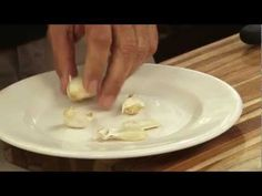 60-Second Video Tips: 3 Easy Ways to Peel Garlic - YouTube