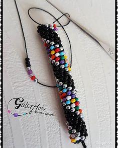 Image may contain: jewelry Bead Crochet Patterns, Bead Crochet Rope, Beading Patterns, Crochet Beaded Bracelets, Beaded Jewelry, Beaded Earrings, Jewelry Bracelets, African Jewelry, African Earrings