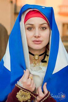 Beautiful Muslim Women, Gorgeous Women, Beautiful People, Sardinian People, Most Beautiful Faces, Muslim Girls, Folk Costume, Traditional Dresses, Beauty Women