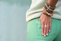 colored jeans I love these mint jeans! Mint Green Jeans, Mint Pants, Teal Jeans, Green Pants, Pastel Jeans, Bright Pants, Green Skinnies, Aqua Pants, Turquoise Pants