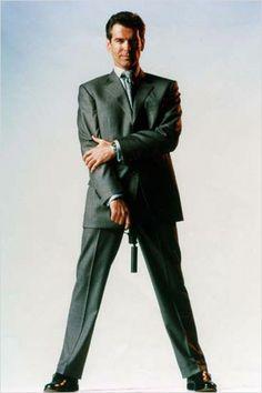 Pierce Brosnan as James Bond for a photo shoot (The World Is Not Enough) Pierce Brosnan, I Movie, Movie Stars, Detective, Service Secret, Bond Series, Haha, James Bond Movies, Roger Moore