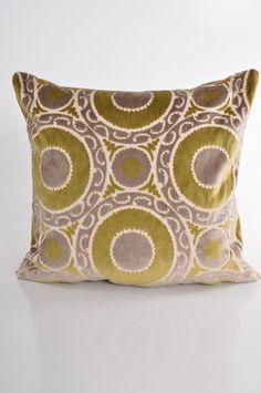 Medallion Seagrass Pillow design by Baxter Designs