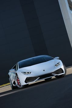 Lamborghini Makes its Huracan LP610-4