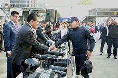Su deber es fortalecer con su acción el Estado de Derecho, erradicar la zozobra y recuperar la paz social, aseveró el gobernador de Michoacán al encabezar el pase de lista ...