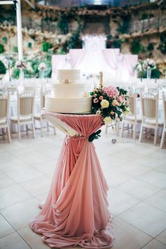 Beautiful indoor wedding reception party decorations in dusty rose color scheme for cocktail hour from CV Linens. Click to shop our collection of wedding linens on a budget. Budget friendly cocktail table decorations using fabric and tablecloths for a wedding cake table. Elegant wedding decorations for cocktail hour in dusty rose summer wedding decorations. Cocktail table wedding decorations for wedding reception parties and celebrations. Coral Wedding Themes, Wedding Reception On A Budget, Indoor Wedding Receptions, Reception Party, Cocktail Table Decor, Cocktail Tables, Wedding Table Linens, Table Wedding, Indoor Wedding Decorations