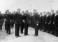 TwitterThe King at Rosyth, 26 June 1917. At left is Vice-Admiral Pakenham. Behind the King is Admiral Hamilton, who has four months left to live. Queen Mary, Family History, Hamilton, German, June, British, Deutsch, German Language, Genealogy