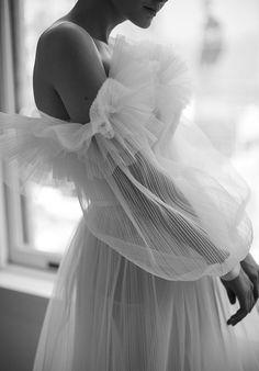 The Lane Livné White Spring 20 Bridal Bridal Gowns, Wedding Gowns, 1920s Wedding, Reem Acra Bridal, Naeem Khan Bridal, Perfect Wedding, Dream Wedding, Light Wedding, Vogue Vintage